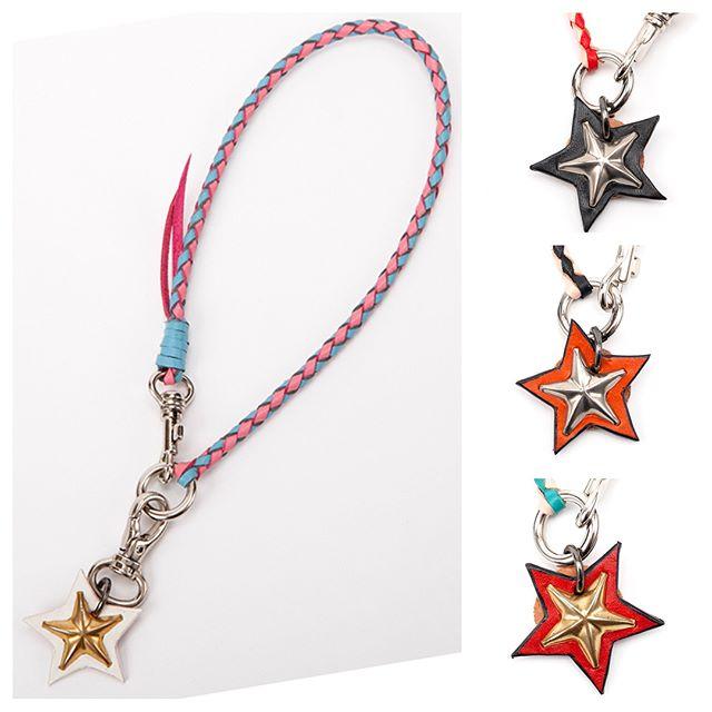 #original #leather #accessories #star #studs #necklace #custom #handmade #kagoshima #japan #dog #dogs #fashion #dogstagram #instadog #doglife #doglover #poodle #toypoodle #maltese #bichonfrise #犬 #星 #スタッズ #ネックレス #小型犬 #ファッション #アクセサリー ・・・・・☆レザーネックレス☆・☆ネックレス部分は、細くなっているので、首輪と一緒に着けても問題ないです☆・☆ネックレス部分の長さ、レザーの色、スタッズの色をお好みでオーダー出来ます☆・☆2枚目の写真は、ネックレス部分に、STARチャームを付けたタイプ☆取り替えて、お持ちのチャームでもネックレスに出来ます☆・☆3枚目以降は、ネックレス一体型☆お持ちのドッグタグも一緒にネックレス・トップに出来ます☆・☆後ほど、HPのショッピングカートにも追加します☆