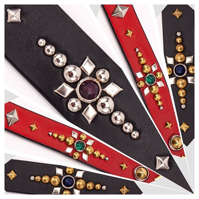 ☆Studs Custom☆・・・☆30mm リストバンド・・・☆24mm 首輪☆・・・☆24mm ベルト☆ ・・・☆お揃いのデザイン☆・・・#original #leather #accessories #wristband #bracelet #dogcollar #catcollar #belt #dogleash #guitarstrap #studs #handmade #kagoshima #dog #cat #dogstagram #catstagram #dogsofinstagram #catsofinstagram #rock #rocknroll #fashion #犬 #猫 #首輪 #ファッション #ブレスレット #ロック #ベルト #鹿児島 ・・・☆気がつけば、スタッズ職人になって丸20年経ってました。色んな物にカスタム出来ますよ☆