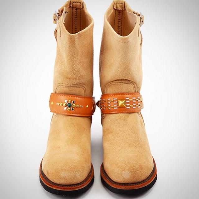 ☆ブーツ・アクセサリー☆・・・・・☆エンジニアブーツのベルトへ、着脱可能なレザーアクセサリー☆・☆お好みでスタッズカスタム出来ます☆・☆ブーツへ直接のスタッズカスタムも大丈夫ですよ☆・・・☆首輪とお揃いのデザインでも☆・・・#original #leather #accessories #shoes #boots #redwing #chippewa #whitesboots #wesco #engineerboots #studs #handmade #kagoshima #dog #fashion #motorcycle #rock #ブーツ #アクセサリー #エンジニアブーツ #レッドウィング #チペワ #ホワイツ #ウエスコ # バイカー #ロック #ファッション #スタッズ #犬 #鹿児島・・・☆今週も本日と明日の営業になります☆